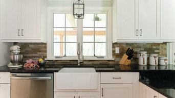 Contemporary/Transitional Kitchen in White