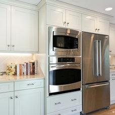 Transitional Kitchen by Divine Kitchens LLC