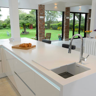 Contemporary White Gloss Kitchen