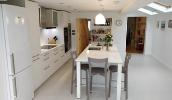 Contemporary White Handled Kitchen