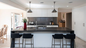 Contempory Kitchen with Caesar Stone Raven benchtops