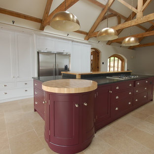 Conversion of a stone barn into a spacious kitchen