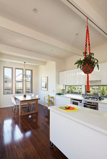 Contemporary Kitchen Convertible Courtyards House