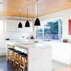 Midcentury Kitchen by Alwill Interiors