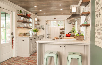 Renovated Kitchen Reclaims Historic Charm in an 1810 Farmhouse