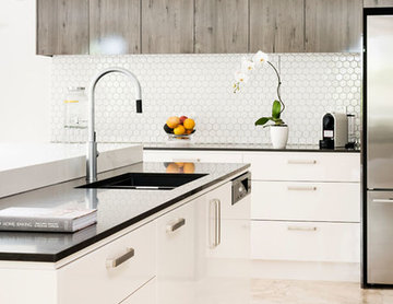 Cool Silver and White North Balwyn Kitchen