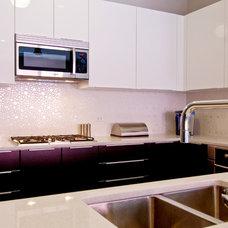 Modern Kitchen by Prestige Designs