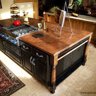 Klassische Küche mit Kupfer-Arbeitsplatte in Portland