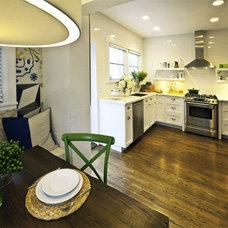 Traditional Kitchen by Errez Design Inc.