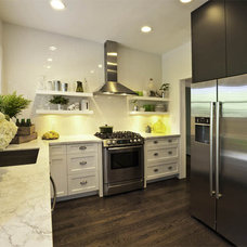Contemporary Kitchen by Errez Design Inc.
