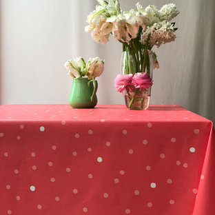 Coral Pink dots tablecloth - nappes confetti rose corail
