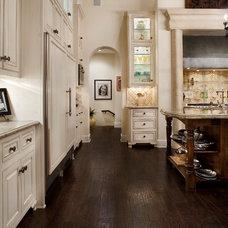 Traditional Kitchen Cord Shiflet Spanish Oaks Estate