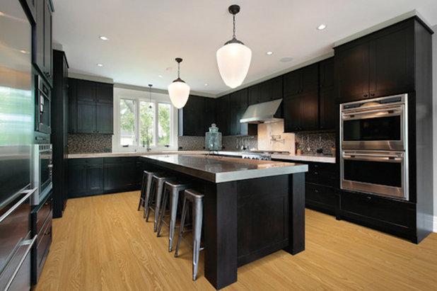 Modern Kitchen by Millworks