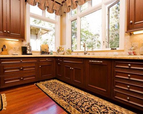 Custom home building saratoga ca san francisco bay area for Kitchen designs with corner windows