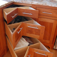 Traditional  by Simpson Cabinetry