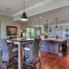 Traditional Kitchen by Concierge Design & Project Management, LLC