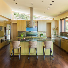 Contemporary Kitchen by Louie Leu Architect, Inc.