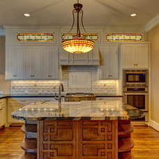 Craftsman Kitchen by Southland Homes of Texas