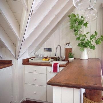 Cottage Boathouse Kitchenette