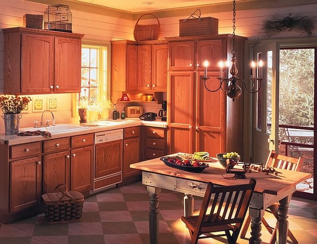 Traditional Kitchen Cottage/Country Kitchen
