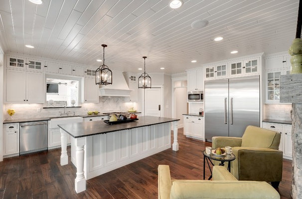 Traditional Kitchen by Divine Custom Homes