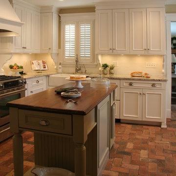 Cottage Kitchen in Elburn