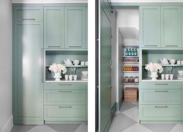 Современный Кухня by Mark Williams Design Associates