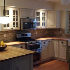 Traditional Kitchen by By Design EK