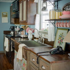 Farmhouse Kitchen by Anita Diaz for Far Above Rubies