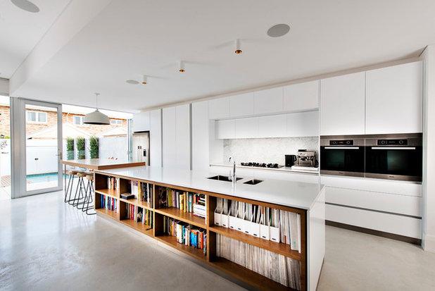 コンテンポラリー キッチン by D-Max Photography