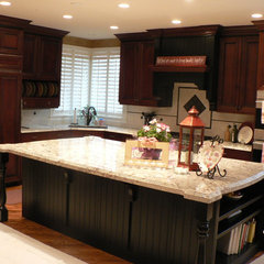 traditional kitchen by Silverado, Inc.