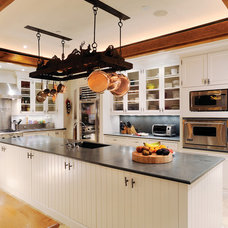 Traditional Kitchen by Poss Architecture + Planning + Interior Design
