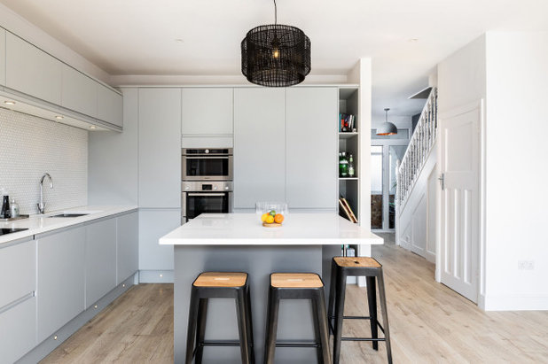 Contemporary Kitchen by JLArchitecture