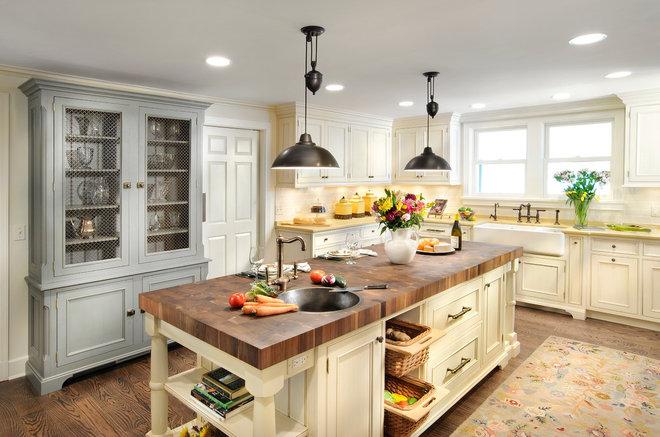 Traditional Kitchen by Linda G Larisch, CMKBD, Designer for Airoom, LLC