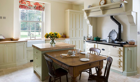 Kitchen of the Week: A Georgian Country Gem Transformed With Light