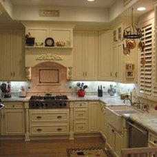 Traditional Kitchen by Kathy's Kitchen & Bath Design