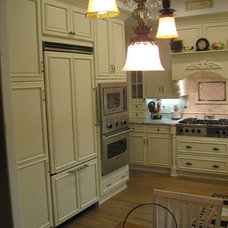 Traditional Kitchen by Kathy's Kitchen & Bath Design