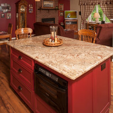 Traditional Kitchen by Bel Air Construction