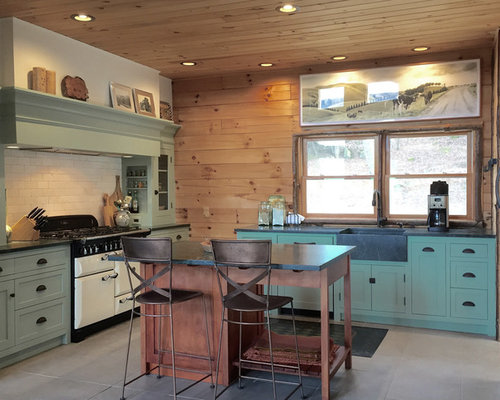 Small Farmhouse Open Concept Kitchen Pictures   Open Concept Kitchen    Small Farmhouse U Shaped