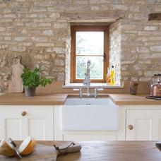 Farmhouse Kitchen by Sustainable Kitchens