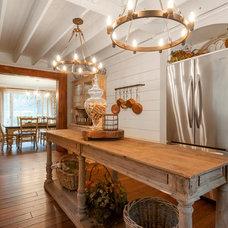 Farmhouse Kitchen by Vertical Construction Group LLC
