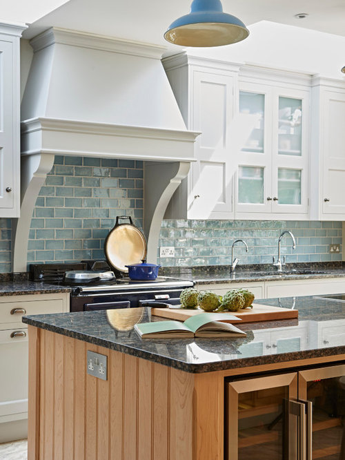 Galley kitchen ideas inspiration with granite worktops for Galley kitchen diner ideas