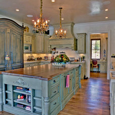 Traditional Kitchen by Envision Web
