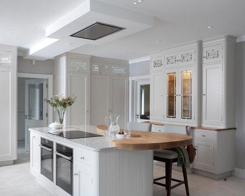 cuisine victorienne avec une cr dence multicolore photos et id es d co de cuisines. Black Bedroom Furniture Sets. Home Design Ideas
