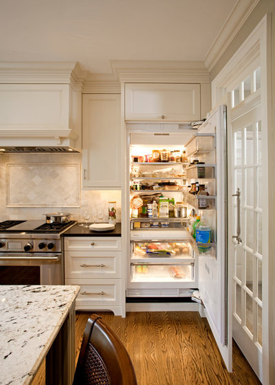 American Traditional Kitchen by Superior Woodcraft, Inc.