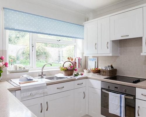 cuisine avec une cr dence beige et un sol en linol um photos et id es d co de cuisines. Black Bedroom Furniture Sets. Home Design Ideas