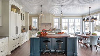 Countryside Traditional Kitchen - Astro Design - Ottawa