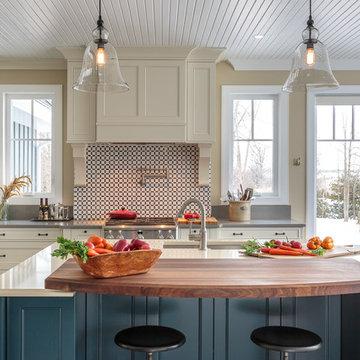 Countryside Traditional Kitchen - Astro Design - Ottawa