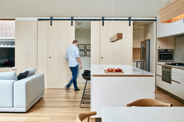 Contemporary Kitchen by Warc Studio Architects