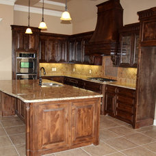 Traditional Kitchen by Couto Homes